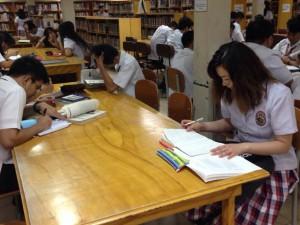 カジノ留学図書館