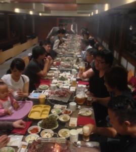 大人数で楽しく食事